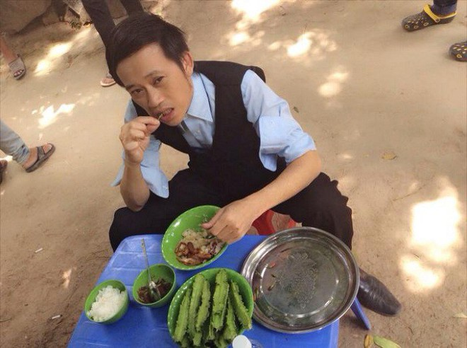 Quyền Linh, Hoài Linh, Mỹ Tâm sở hữu tài sản siêu khủng vẫn sống cực giản dị - Ảnh 9.