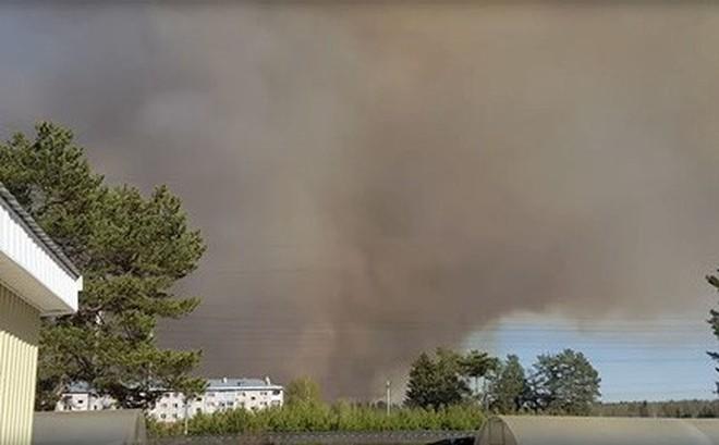 Video: Nổ căn cứ quân sự cũ của Nga, liên tiếp xuất hiện tiếng nổ lớn