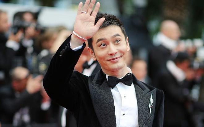 Thảm đỏ LHP Cannes: Huỳnh Hiểu Minh kém sắc, Yoo Ah In bảnh bao xuất hiện cùng dàn siêu mẫu xinh đẹp