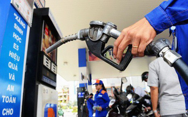 Tăng thuế xăng dầu: Đề xuất của Bộ Tài chính vấp phải ý kiến cảnh báo của hàng loạt cơ quan