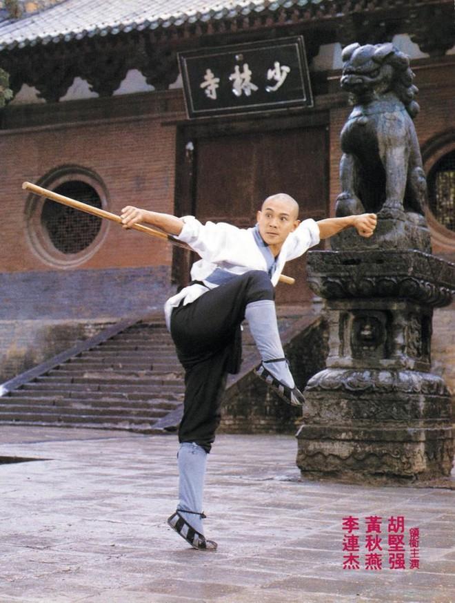 Hình ảnh đối lập của Lý Liên Kiệt: Khi trẻ mạnh mẽ khí thế, qua 50 tuổi tiều tụy không nhận ra - Ảnh 2.
