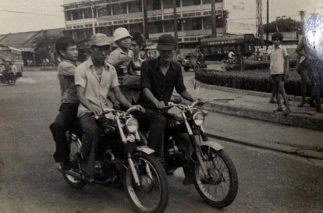 Chuyện ít biết về tội phạm cướp giật đường phố ở Sài Gòn - Kỳ 2: Thủ đoạn cướp giật đường phố xưa và nay - Ảnh 2.