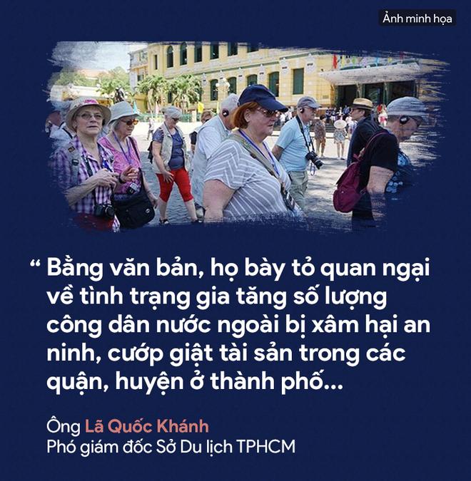 [PHOTO STORY] Dân thường, người bị nạn, du khách thảng thốt về nạn cướp giật ở Sài Gòn - Ảnh 2.