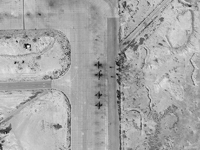 Chiến đấu cơ Nga ồ ạt tới căn cứ T4 Syria - Tự nộp mình trước hỏa lực Israel? - Ảnh 1.