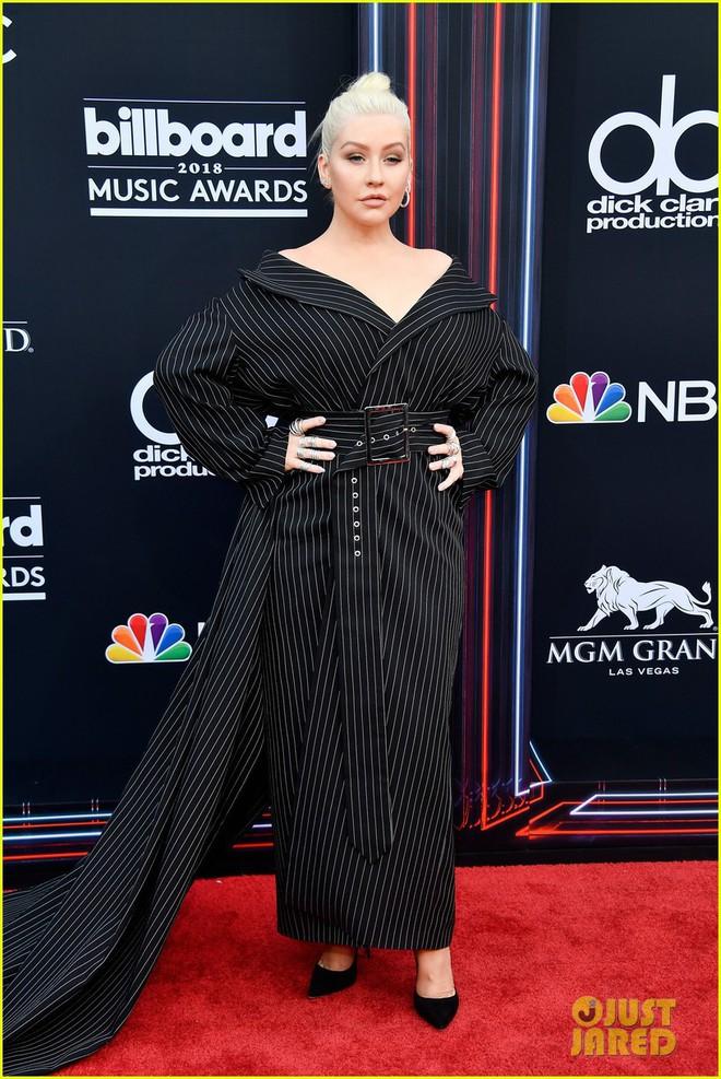 Trở lại thảm đỏ Billboard Music Awards 2018, Taylor Swift đẹp như tiên nữ giữa dàn sao đình đám - Ảnh 13.
