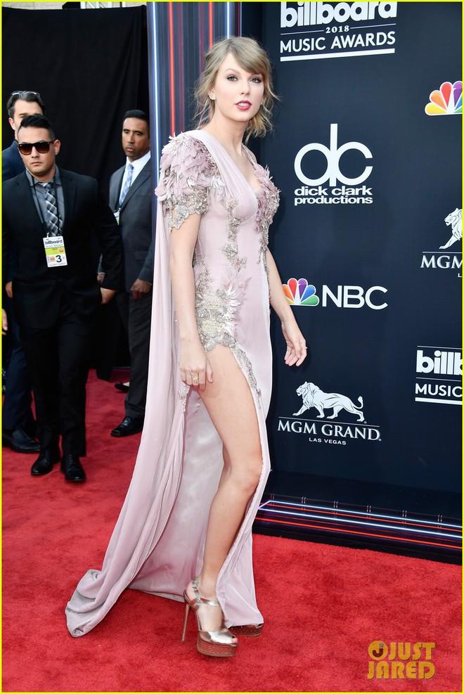 Trở lại thảm đỏ Billboard Music Awards 2018, Taylor Swift đẹp như tiên nữ giữa dàn sao đình đám - Ảnh 4.