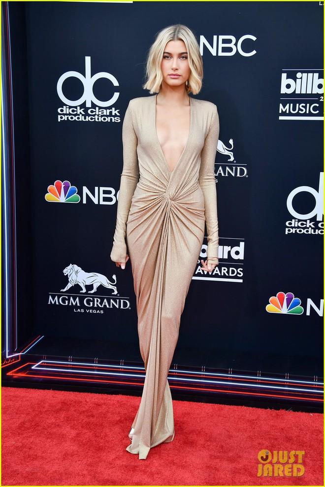 Trở lại thảm đỏ Billboard Music Awards 2018, Taylor Swift đẹp như tiên nữ giữa dàn sao đình đám - Ảnh 28.