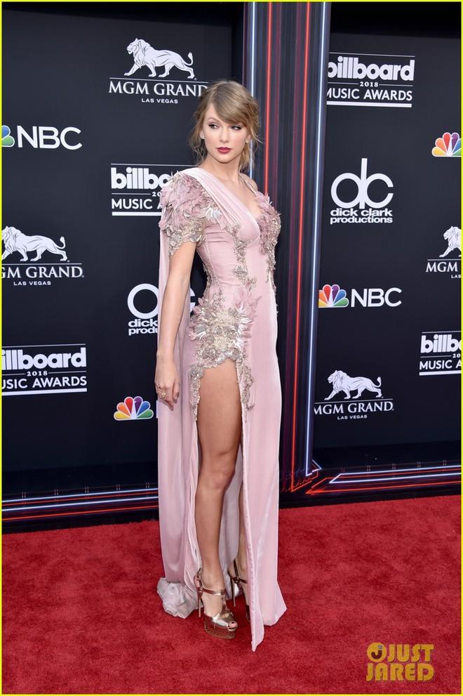 Trở lại thảm đỏ Billboard Music Awards 2018, Taylor Swift đẹp như tiên nữ giữa dàn sao đình đám - Ảnh 5.