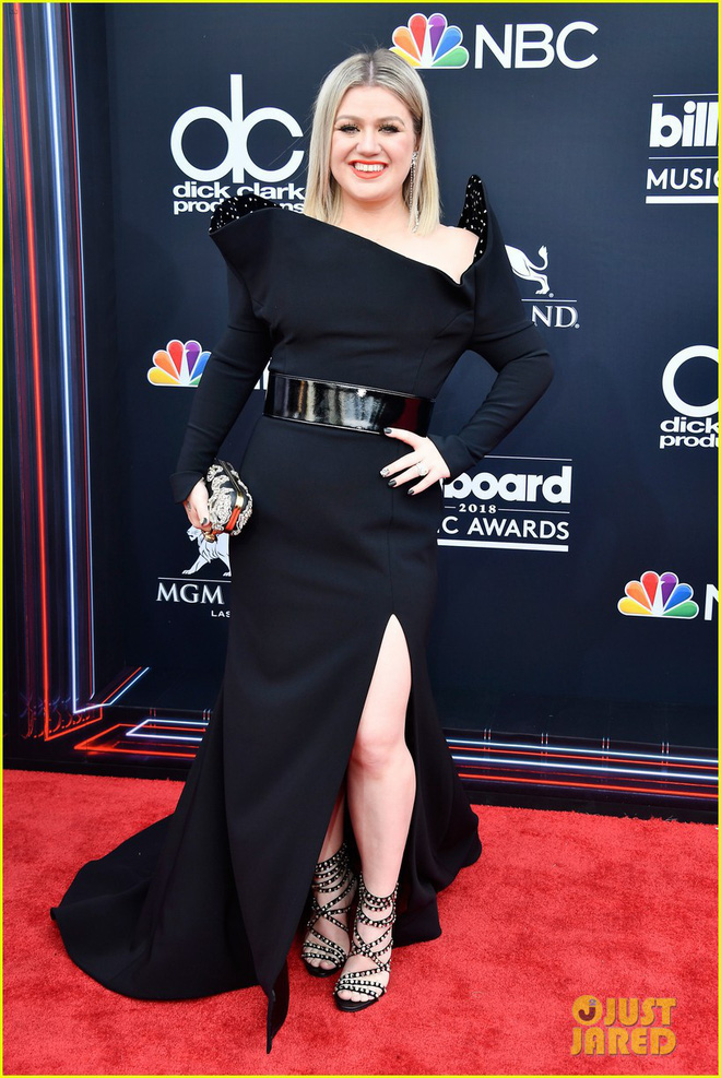 Trở lại thảm đỏ Billboard Music Awards 2018, Taylor Swift đẹp như tiên nữ giữa dàn sao đình đám - Ảnh 37.