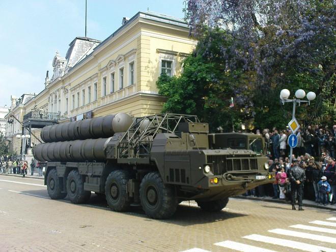 Nâng cấp tên lửa S-300 mạnh ngang S-400 Nga: Thời cơ đã đến?