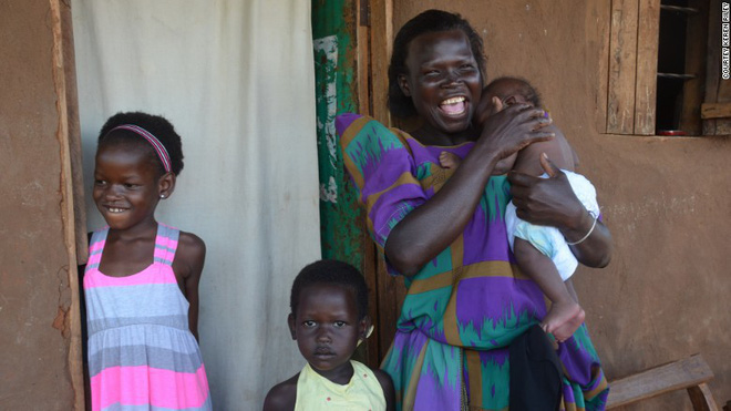 Nhận nuôi bé gái châu Phi, cặp vợ chồng không ngờ sau khi cô bé học tiếng Anh lại tiết lộ một sự thật quá khủng khiếp - Ảnh 6.