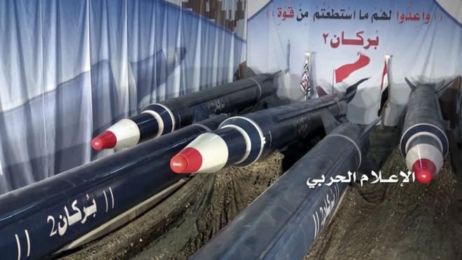 """Houthi bắn tên lửa """"đồng nát"""": Saudi chống đỡ bằng… niềm tin – Patriot Mỹ bất lực?"""