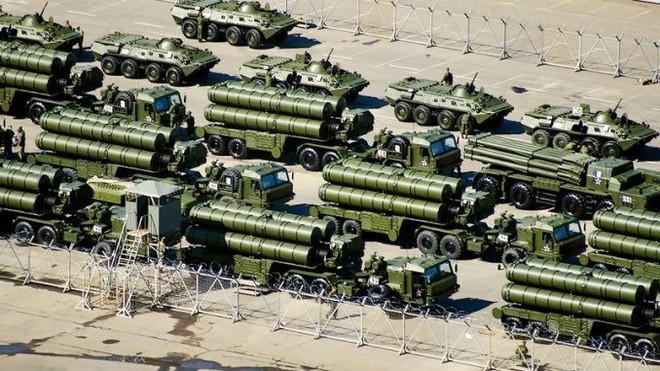 Patriot thần thánh Mỹ phản chủ, Nga nhanh tay hớt mỏ vàng Saudi Arabia: S-400 tham chiến - Ảnh 2.