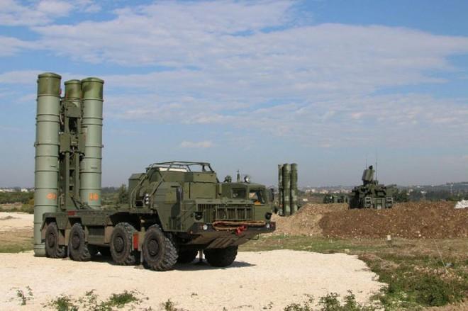 Patriot thần thánh Mỹ phản chủ, Nga nhanh tay hớt mỏ vàng Saudi Arabia: S-400 tham chiến - Ảnh 3.