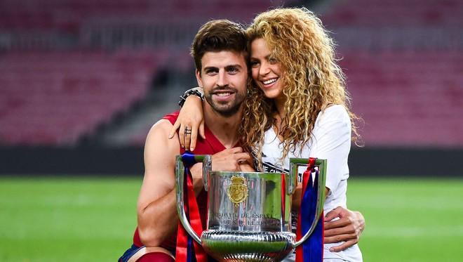 Shakira ở tuổi 41: Sức khỏe suy giảm, lùm xùm trốn thuế và đối mặt tin đồn rạn nứt với cầu thủ Pique - Ảnh 4.