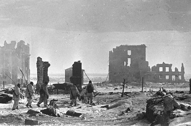 Những cuộc ném bom rải thảm khốc liệt nhất TK 20: Mọi thứ bị thiêu rụi phía sau chúng tôi - Ảnh 1.