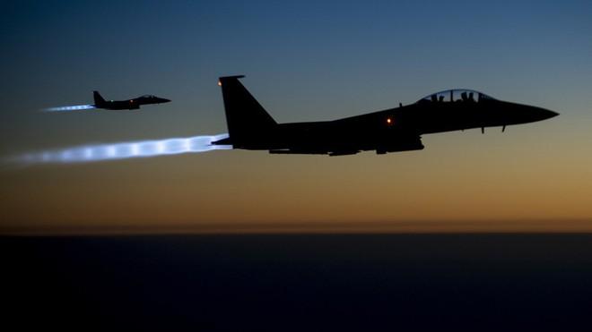 Mỹ-liên quân lại mở đợt tấn công mới vào Syria, phòng không của Damascus nín lặng? - Ảnh 1.