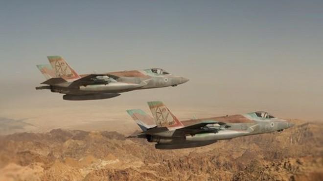 Israel cảnh báo đỏ: Gươm đã tuốt khỏi vỏ, quét sạch tên lửa phòng không Syria - Ảnh 1.