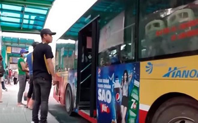Theo chân trinh sát hình sự dẹp trộm ở các bến xe bus