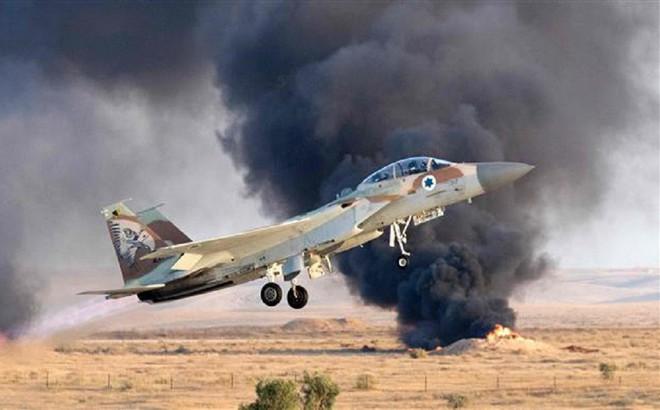 """Israel cảnh báo """"đỏ"""": Gươm đã tuốt khỏi vỏ, quét sạch tên lửa phòng không Syria"""