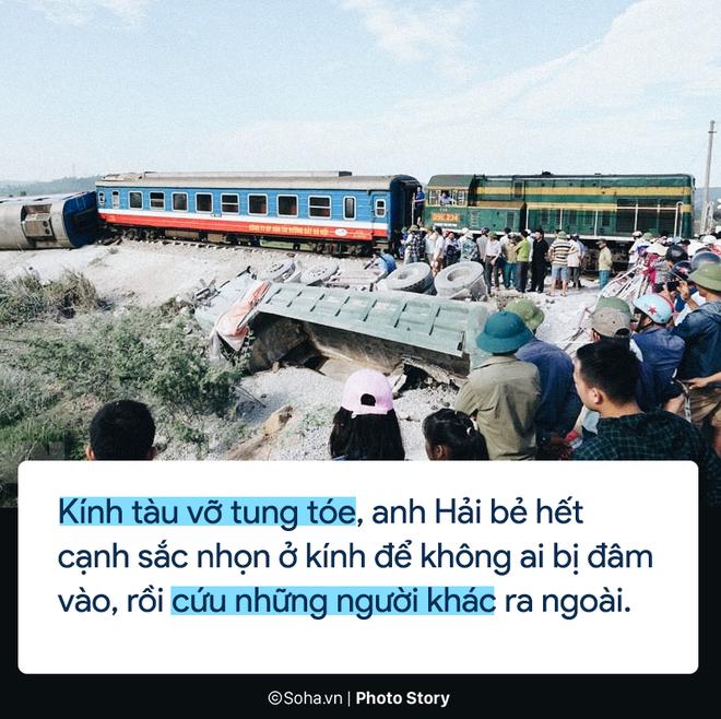 [PHOTO STORY] Chuyện cảm động trên chuyến tàu hoạn nạn: Khách Tây làm bậc thang giúp khách Việt thoát khỏi toa tàu lật - Ảnh 2.