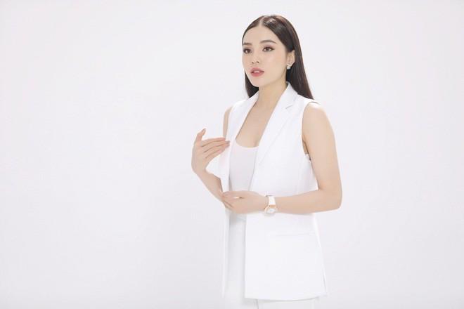 Hoa hậu Kỳ Duyên: Mang bầu, tôi thấy phần bụng cực kì nặng, có cảm giác đau thốn thốn kiểu gì ấy - Ảnh 10.