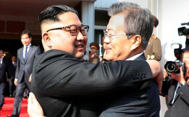 Tổng thống Hàn Quốc gặp nhà lãnh đạo Triều Tiên lần 2 tại Bàn Môn Điếm chiều nay 1