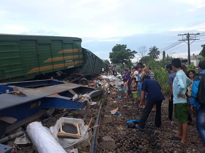 Vụ 2 tàu hỏa tông nhau khi vào ga: Công an tỉnh Quảng Nam lấy lời khai lái tàu - Ảnh 5.