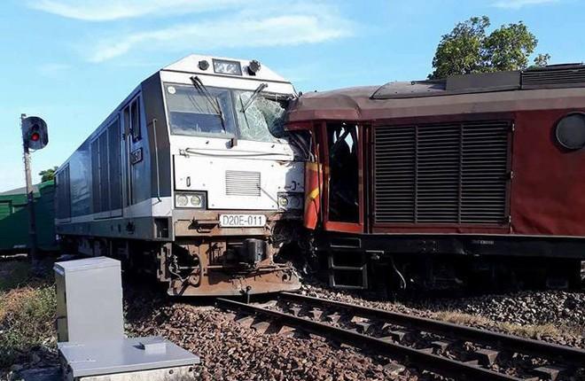 Vụ 2 tàu hỏa tông nhau khi vào ga: Công an tỉnh Quảng Nam lấy lời khai lái tàu - Ảnh 4.