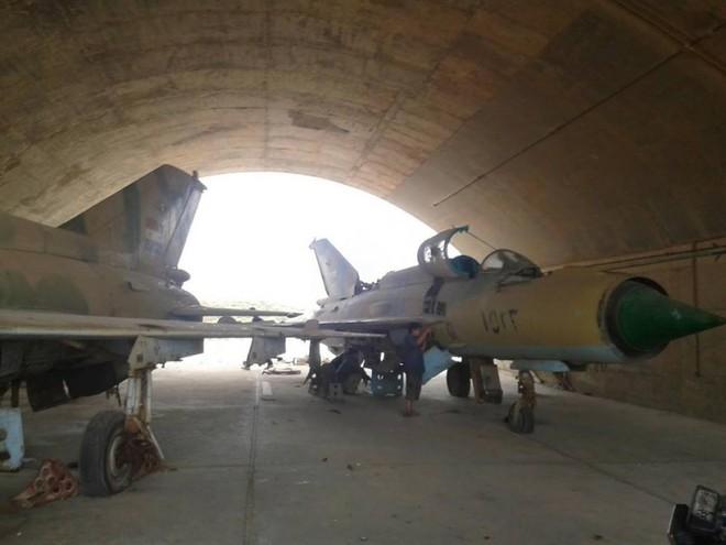 Syria bất ngờ cấm Iran sử dụng nhà chứa máy bay quân sự - Ảnh 1.