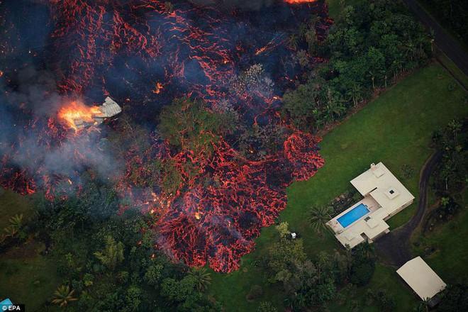 Núi lửa phun trào cực mạnh ở Hawaii, dung nham có thể được nhìn thấy từ ngoài vũ trụ - Ảnh 5.