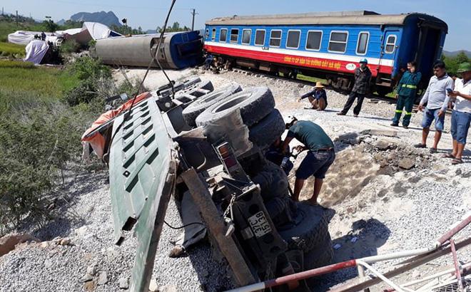 Xác định nguyên nhân vụ tai nạn tàu hoả tông xe tải khiến lái tàu và phụ lái tử vong