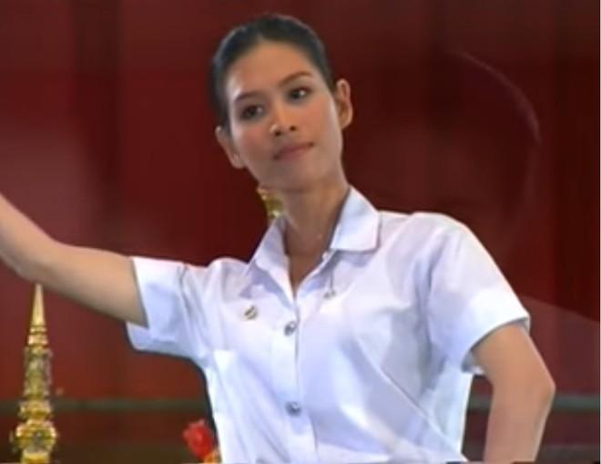 Trái ngược với Nguyệt Phía trước là bầu trời, Hà Hương còn có 1 vai diễn để đời khác - Ảnh 15.