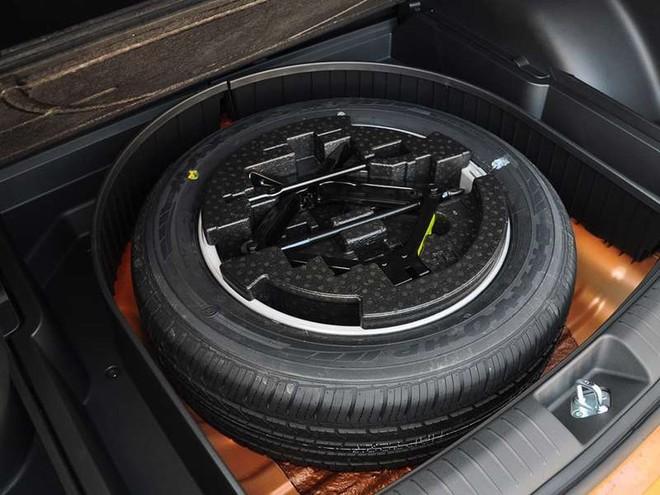 Tại sao lốp xe dự phòng luôn nhỏ hơn lốp chính? - Ảnh 2.
