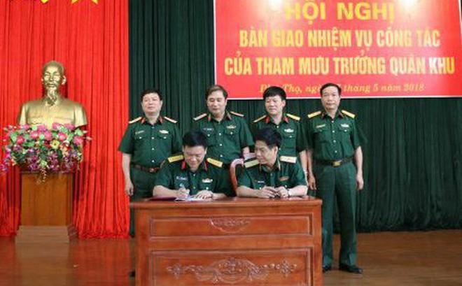 Bàn giao nhiệm vụ công tác của Tham mưu trưởng Quân khu 2
