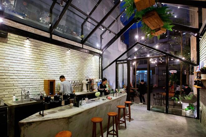 Hè này, nếu đến Đà Nẵng, hãy ghé quán cà phê ở Thái Phiên để tận mục kiến trúc được báo Mỹ vinh danh - Ảnh 9.