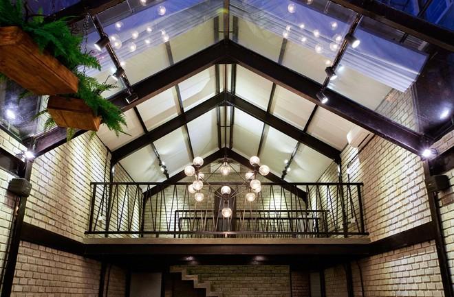 Hè này, nếu đến Đà Nẵng, hãy ghé quán cà phê ở Thái Phiên để tận mục kiến trúc được báo Mỹ vinh danh - Ảnh 10.