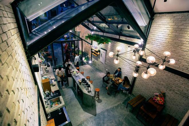 Hè này, nếu đến Đà Nẵng, hãy ghé quán cà phê ở Thái Phiên để tận mục kiến trúc được báo Mỹ vinh danh - Ảnh 11.