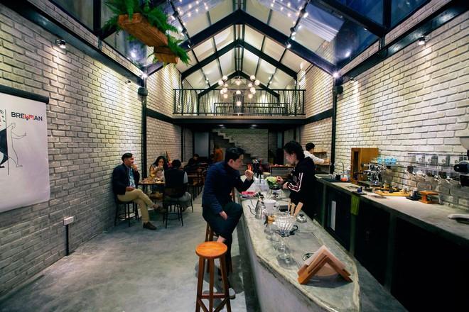 Hè này, nếu đến Đà Nẵng, hãy ghé quán cà phê ở Thái Phiên để tận mục kiến trúc được báo Mỹ vinh danh - Ảnh 4.