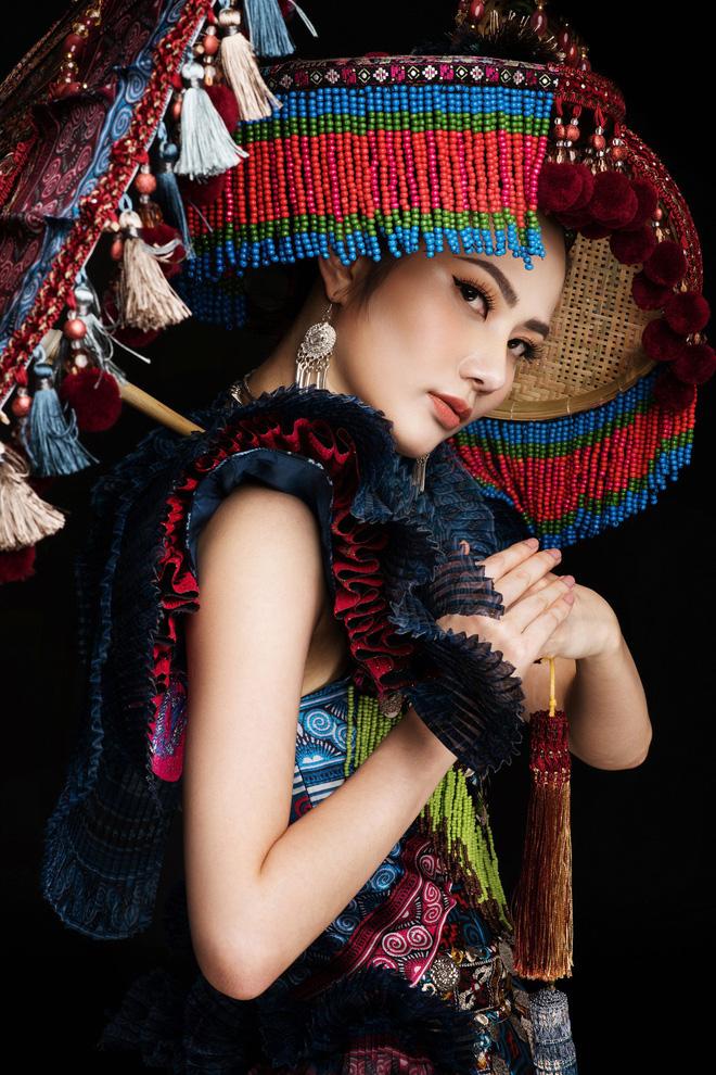 Diệu Linh mang trang phục nặng 30 kg dự thi Nữ hoàng Du lịch Quốc tế - Ảnh 7.