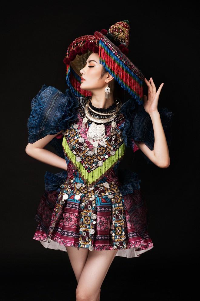 Diệu Linh mang trang phục nặng 30 kg dự thi Nữ hoàng Du lịch Quốc tế - Ảnh 6.