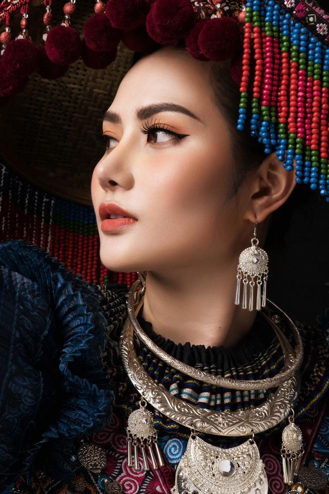 Diệu Linh mang trang phục nặng 30 kg dự thi Nữ hoàng Du lịch Quốc tế - Ảnh 3.