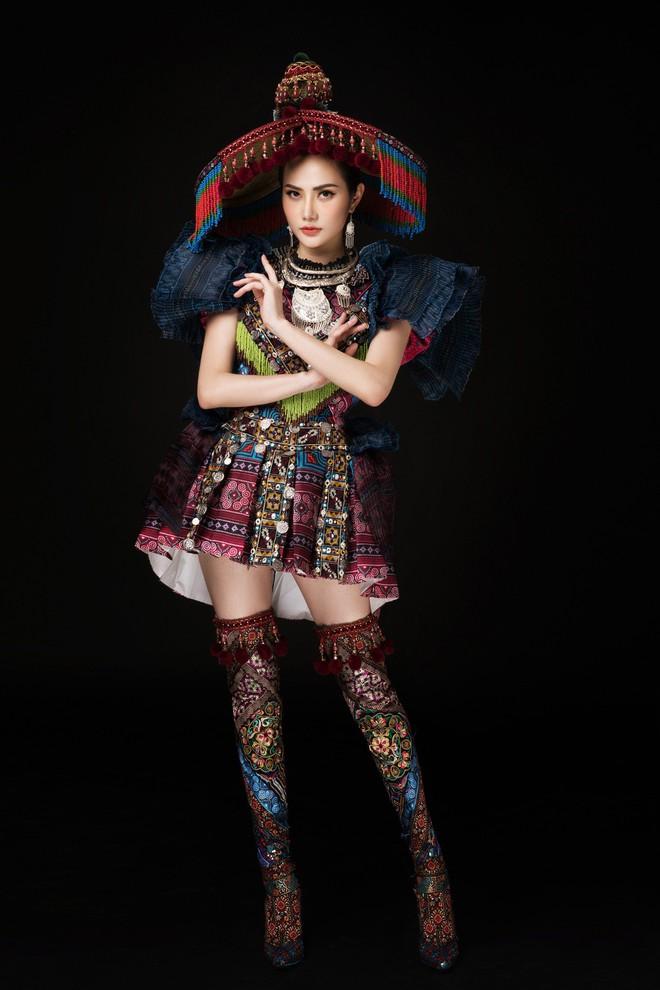Diệu Linh mang trang phục nặng 30 kg dự thi Nữ hoàng Du lịch Quốc tế - Ảnh 2.