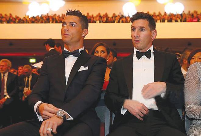 Quả bóng Vàng 2018: Messi và Ronaldo cạnh tranh khốc liệt - Ảnh 1.