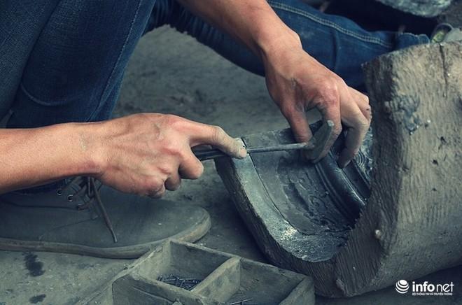 Về làng nghề đúc đồng gia truyền gần 500 năm tuổi ở Hà Nội - Ảnh 7.