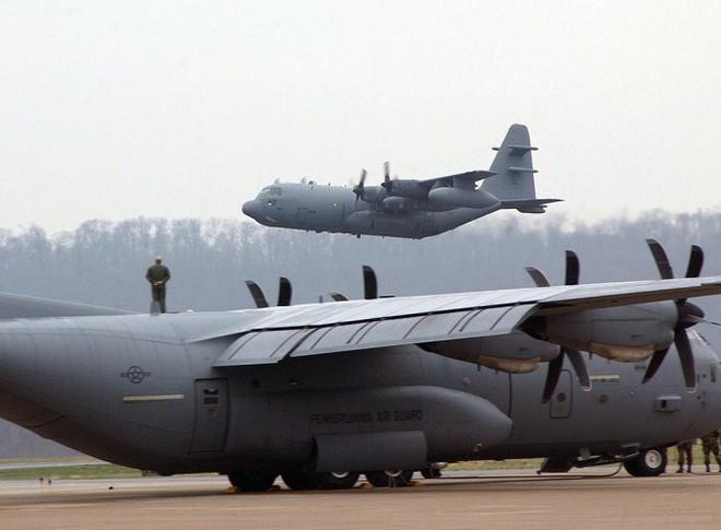 Mỹ đưa máy bay có khả năng chọc mù đối phương đến sát Triều Tiên - Ảnh 6.