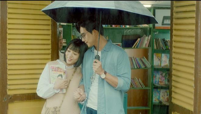 Nhiều sạn vô lý trong phim Em gái mưa, đặc biệt là vai thầy giáo của Mai Tài Phến - Ảnh 1.