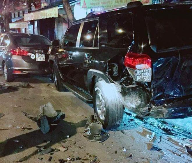 Tài xế xe BMW gây tai nạn liên hoàn,