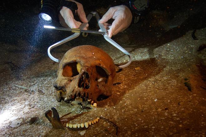 Cuộc thám hiểm kỳ lạ tại giếng thánh của người Maya: Bí mật ngàn năm hé lộ! - ảnh 2