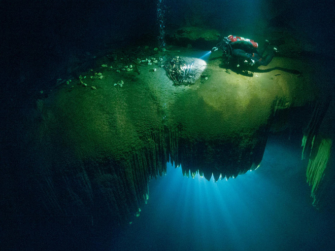 Cuộc thám hiểm kỳ lạ tại giếng thánh của người Maya: Bí mật ngàn năm hé lộ! - ảnh 3